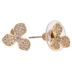 Jewelry - 🆕 Dainty Gold Rhinestone Pave Flower Earrings